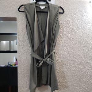 🌼green sleeveless overpiece vest